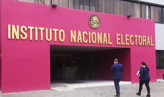 Estructura de Morena prepara maquinaria para demoler al INE